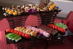 Sortierter asiatischer traditioneller Kuchen Lizenzfreies Stockfoto
