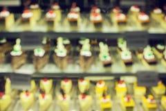 Sortierter Kuchen-und Bonbon-Wüsten-Schokolade Rasberry-Rot-Samt Stockfotografie