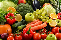 Sortiertes rohes organisches Gemüse Stockfoto