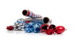 Sortiertes Weihnachtsverpackungspapier und -farbbänder Stockfotografie