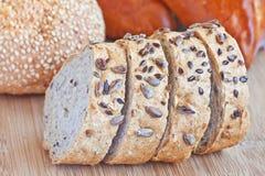 Sortiment av bakat bröd Royaltyfria Foton
