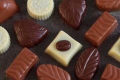 Sortiment av chokladgodisar Arkivbilder