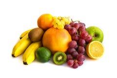 Sortiment av exotiska frukter som isoleras på vit Arkivbilder