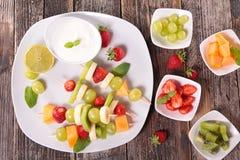 Sortiment av frukt och kräm royaltyfri foto