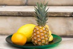 Sortiment av nya exotiska frukter Arkivbilder