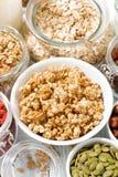 sortiment av nya ingredienser för den sunda frukosten, closeup Royaltyfri Bild