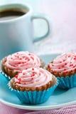 Sortiment av rosa muffinchokladbrända mandlar Royaltyfri Bild