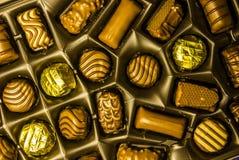 Sortiment för chokladgodisar i en ask Royaltyfri Fotografi