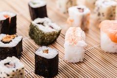 Sortiment för sushistång royaltyfria foton