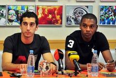 Sorveglianza di Fernandinho e di Mkhitaryan Fotografia Stock Libera da Diritti