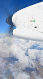 Sorvolare Canterbury in bombardiere Q300 Immagini Stock