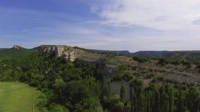 Sorvolare cima di bello plateau della montagna archivi video