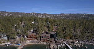 Sorvolare la superficie del lago Tahoe archivi video