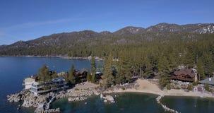 Sorvolare la superficie del lago Tahoe stock footage