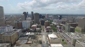 Sorvolare New Orleans, la Luisiana cityscape Oggetto facente un giro turistico video d archivio