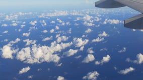 Sorvolare normale Miami 4k Florida S.U.A. del getto del cielo blu di estate stock footage