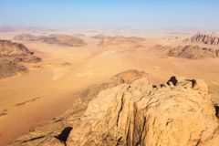 Sorvolare Wadi Rum, la Giordania fotografia stock