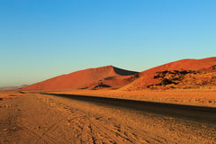 Sossusvlei. Panorama trought red dunes from Sesriem to Sossusvlei, Namibia Royalty Free Stock Photos