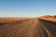 Sossusvlei. Panorama trought red dunes from Sesriem to Sossusvlei, Namibia Stock Photos