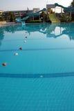 Sosta del Aqua sulla piscina fotografia stock libera da diritti