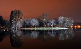 Sosta del lago entro la notte Fotografia Stock Libera da Diritti