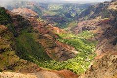 Sosta di condizione del canyon di Waimea fotografie stock libere da diritti