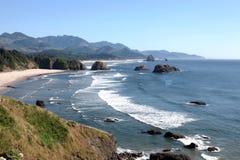 Sosta di condizione di Ecola, litorale dell'Oregon & Oceano Pacifico. Immagine Stock