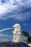 Sosta di Merlion. Orizzonte di Singapore Fotografie Stock Libere da Diritti