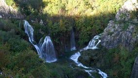 Sosta nazionale dei laghi Plitvice nel Croatia stock footage