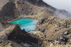 Sosta nazionale di Tongariro dei laghi verde smeraldo, Nuova Zelanda Immagini Stock