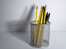 Sostenedor y sombra del lápiz foto de archivo libre de regalías