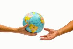 Sostener el globo Fotos de archivo libres de regalías