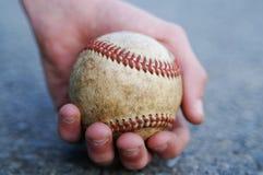Sostener la bola Fotografía de archivo