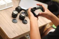 Sostener la cámara, versión 10 fotos de archivo