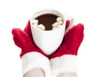 Sostener la taza de chocolate caliente Imágenes de archivo libres de regalías