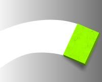Sostener una esponja mientras que limpia Fotografía de archivo