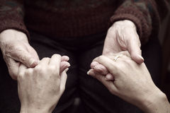 Sostenga ed aiuti il elderly#3 Fotografia Stock