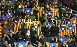 Sostenitori catalani con le bandiere di independentist Fotografie Stock Libere da Diritti