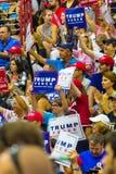Sostenitori incoraggianti di Trump Immagine Stock
