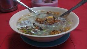 Sotanghon Batchoy - comida de Pinoy Imagenes de archivo