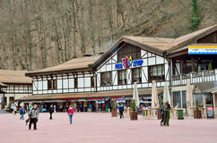 Sotchi, Rusland, 29 Februari, 2016, de infrastructuur van de skitoevlucht Rosa Khutor Stock Foto