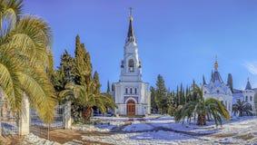 SOTCHI, RUSLAND - JANUARI 27, 2016: De winterpanorama van de complexe tempel Stock Foto's