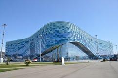 Sotchi, Rusland, 01 Maart, 2016, de Ijsberg van het Ijspaleis in het Olympische Park van Sotchi Royalty-vrije Stock Afbeelding