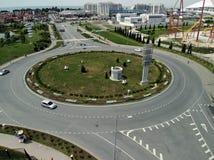 Sotchi, Russie - 2 juin 2018 Jonction de route circulaire au prospekt d'Olimpiyskiy en Adler photo libre de droits