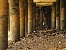 Sotto i moli di Londra Immagine Stock
