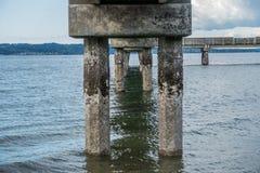 Sotto il pilastro 1 del punto del un poco Fotografia Stock