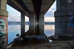 Sotto il ponte Fotografia Stock