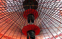 Sotto l'ombrello giapponese fotografia stock libera da diritti