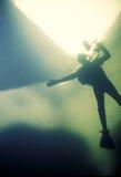 Sotto l'operatore subacqueo ed il fotografo del ghiaccio Fotografia Stock