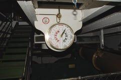 Sotto la piattaforma sui bacini di Portsmouth del guerriero di HMS Fotografia Stock